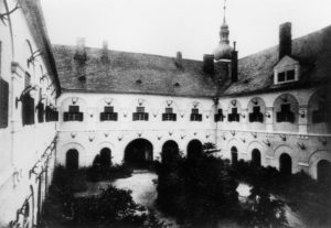 zámek Nádvoří